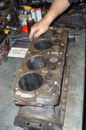 Trail fitting the Holden valves